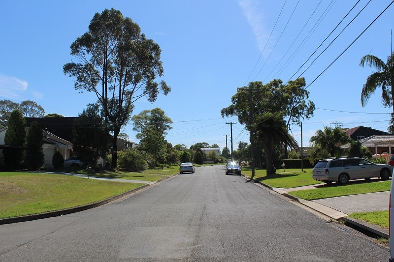 Lesser-known differences between Australia and UK out in the Australian suburbs.