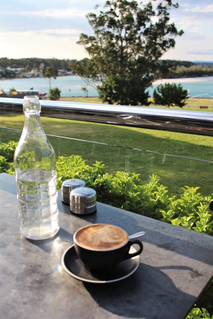 Guide to Jervis Bay, NSW Australia - what to see and where to stay in every beach lovers' paradise.