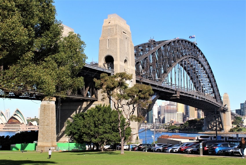 The best things to do in Sydney Australia - discover Sydney highlights including Sydney Opera House, Sydney Harbour Bridge, Bondi Beach, the Blue Mountains, Sydney food & more.