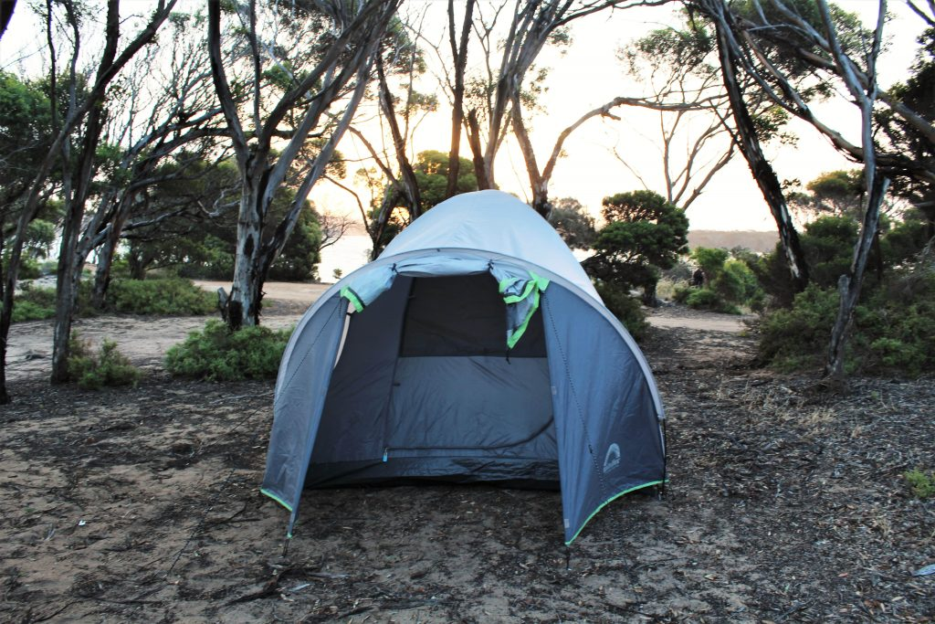 Camp for free on your scenic journey from Albany to Bremer Bay WA. Save money at these beautiful camping grounds by the beach and lake in Western Australia between Perth and Adelaide.