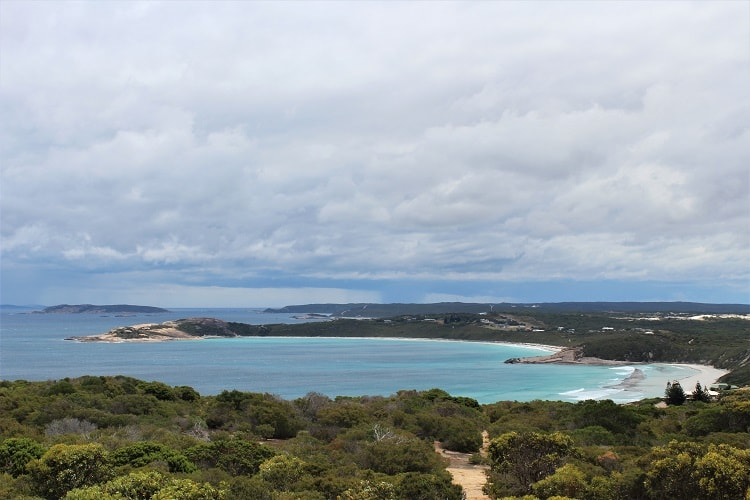 The best things to do in Esperance, Western Australia, a coastal town known for its stunning white beaches such as Lucky Bay, home to wild kangaroos. Find out where to go walking and camping in beautiful Cape Le Grand National Park and how to see a pink lake!