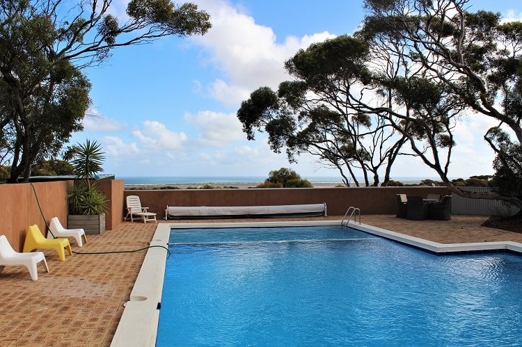 Swimming pool at Eucla Roadhouse, accommodation on the Nullarbor.