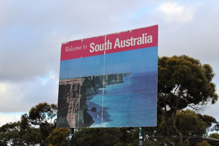 South Australia sign at the border on the Nullarbor.