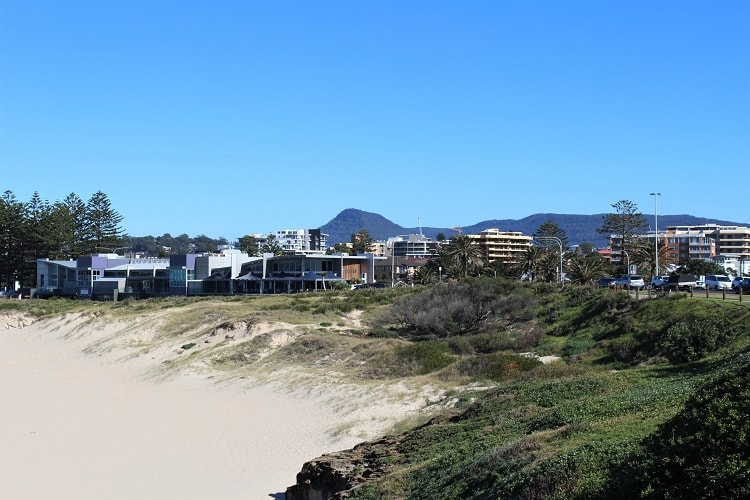The best things to do in Wollongong Australia on a trip from Sydney. Discover Wollongong beaches, botanic gardens, restaurants and more.