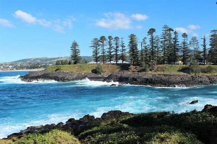 The beautiful Kiama coastline, a scenic weekend getaway from Sydney.
