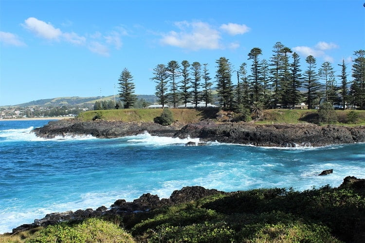 Discover what to do in Kiama NSW with this list of top Kiama attractions, including Cathedral Rocks, Kiama Blowhole, Bombo Quarry and amazing beaches.
