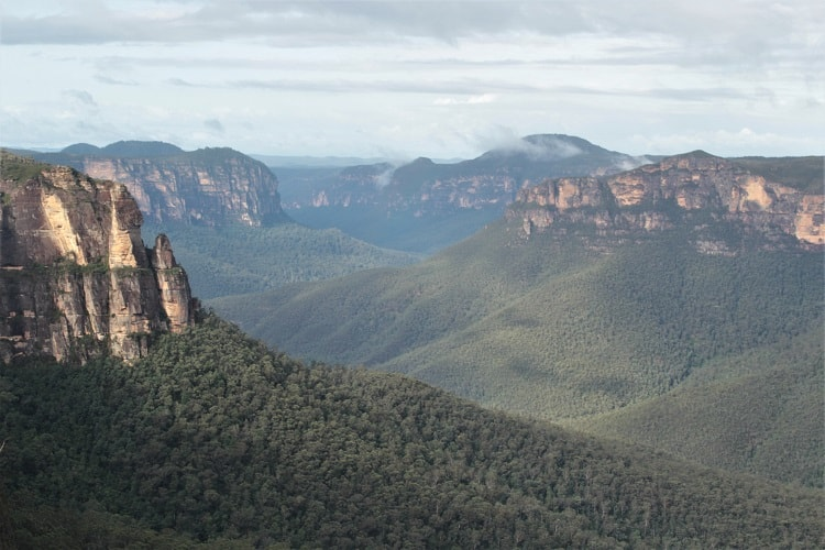 Short Blue Mountains walks: Govetts Leap Blackheath.