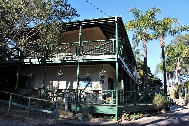 Batemans Bay accommodation - backpackers hostel.
