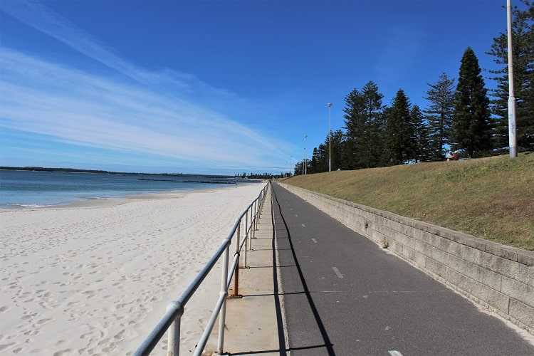 Cycle path at Ramsgate Beach, Botany Bay, Sydney.